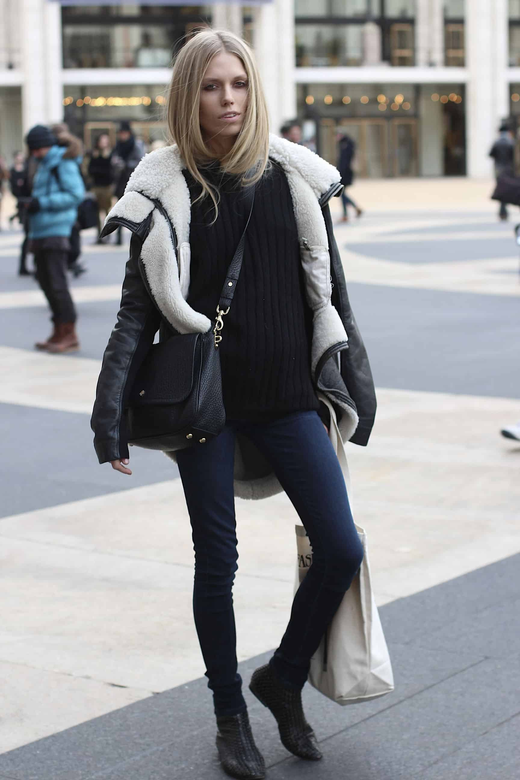 grungy-look-skinny-jeans-street-style
