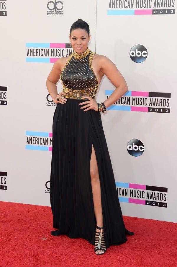 jordin-sparks-american-music-awards-2013-red-carpet