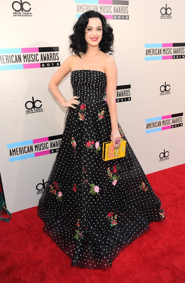katy-perry-american-music-awards-red-carpet