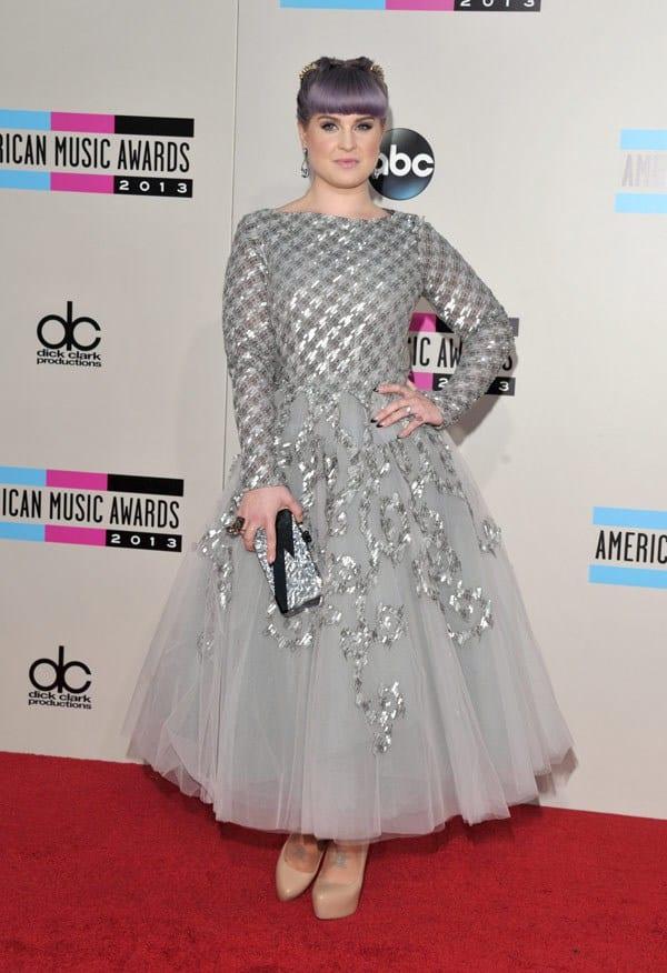 kelly-osbourne-american-music-awards-2013-red-carpet
