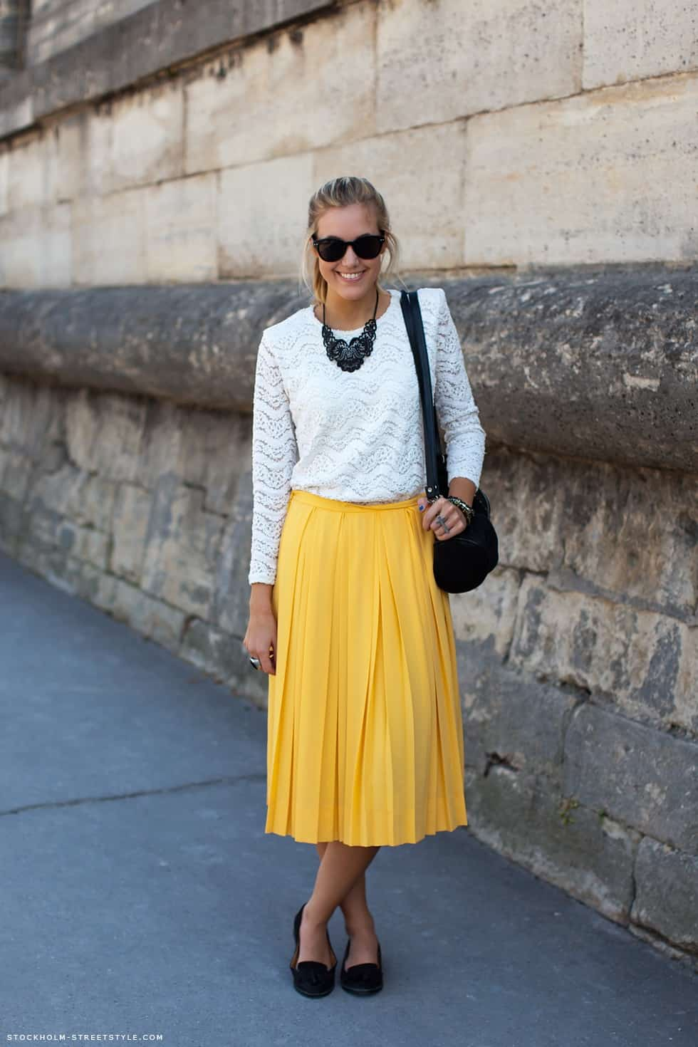 pleated-midi-skirt-street-style-1