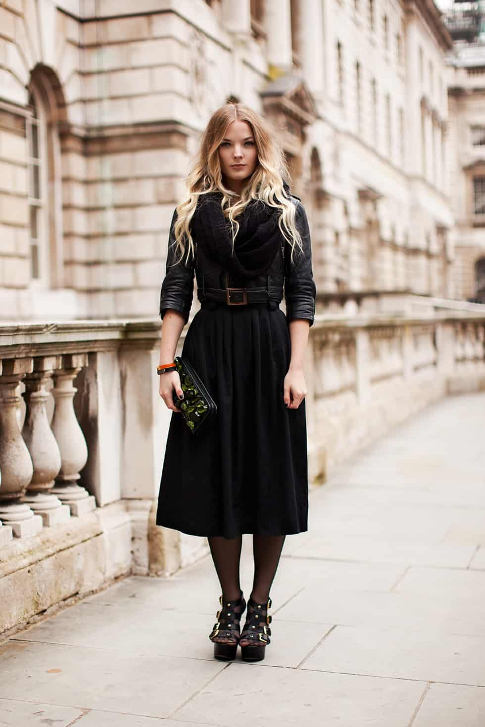 pleated-midi-skirt-street-style