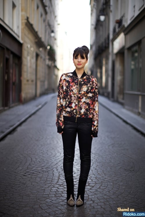 street-style-printed-bomber-jacket