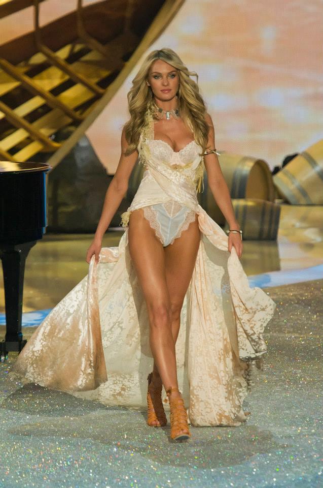 victorias-secret-fashion-show-2013-21
