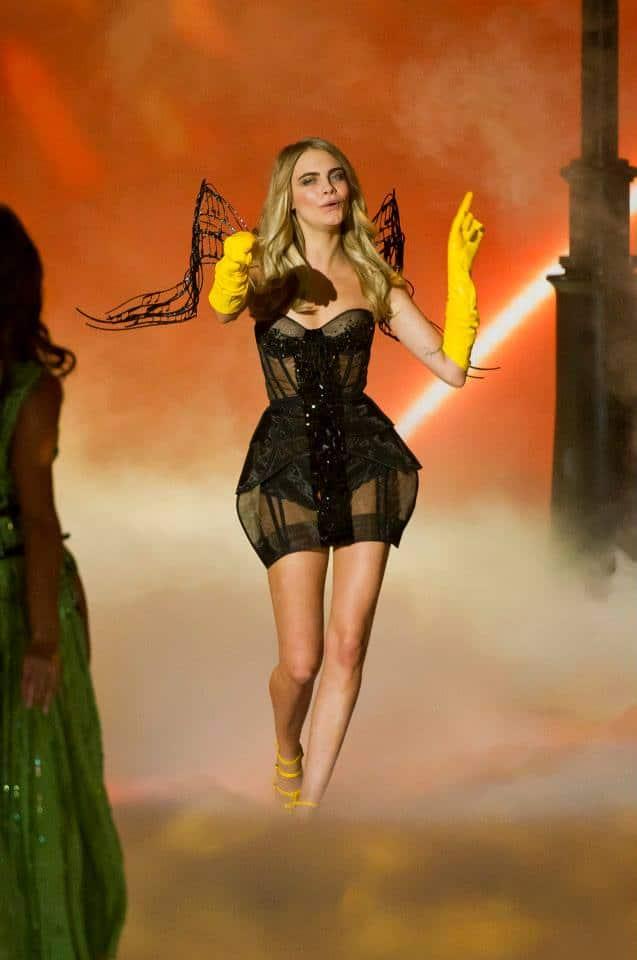victorias-secret-fashion-show-2013-32