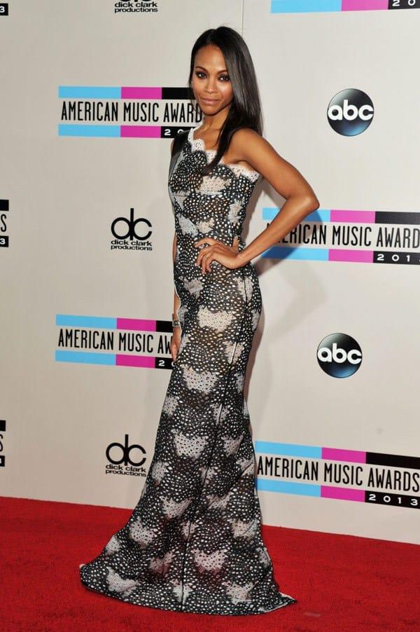 zoe-saldana-american-music-awards-2013-red-carpet