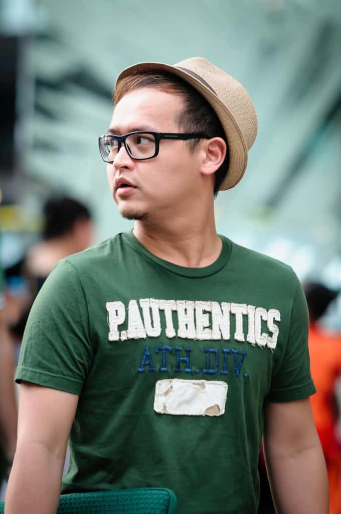 men-eyeglasses-street-style