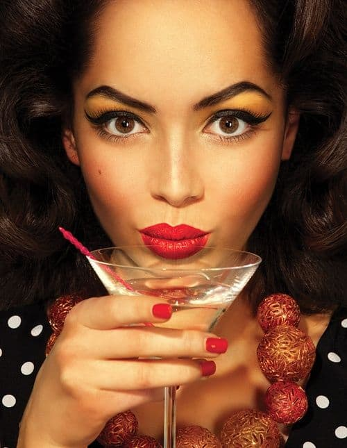 retro-makeup-red-lips-party-look