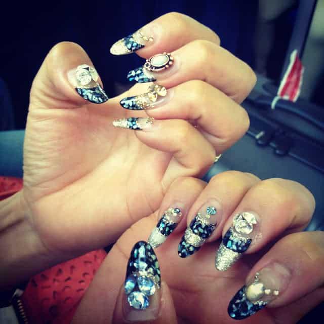 nail-art-stiletto-nails