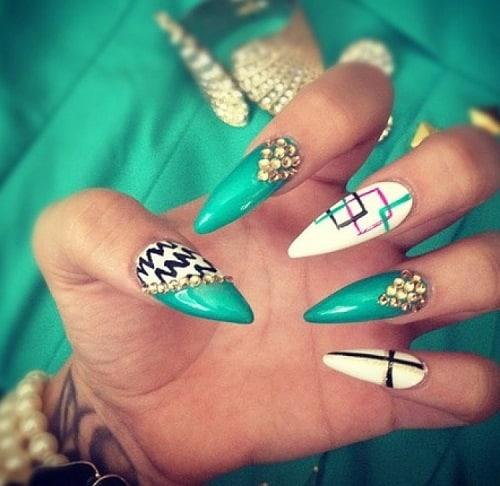 stiletto-aqua-nails-look