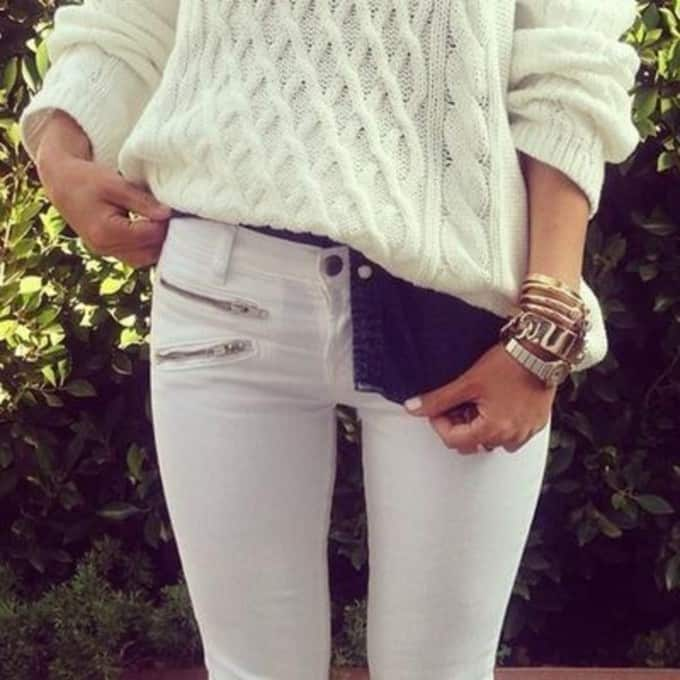 white-jeans-white-sweater-style