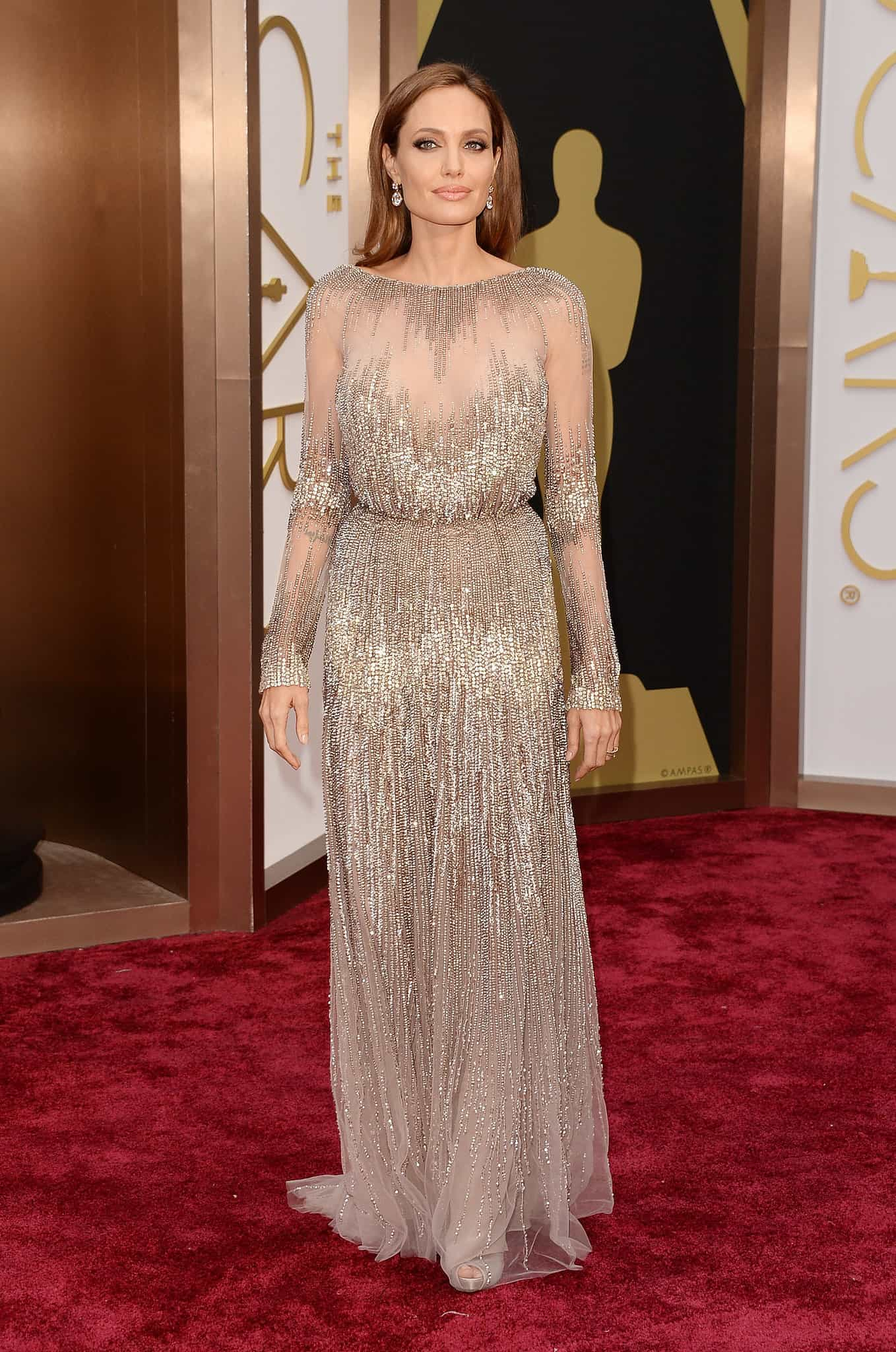 angelina-jolie-2014-oscars-red-carpet-