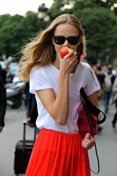 basic-t-shirts-street-style (2)