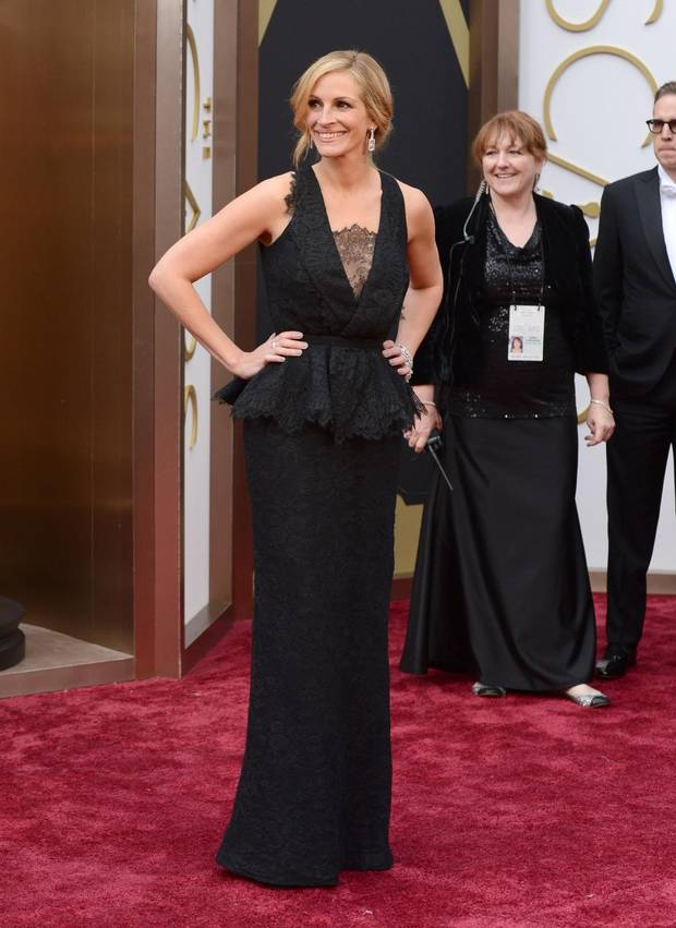 julia-roberts-2014-oscars-red-carpet-
