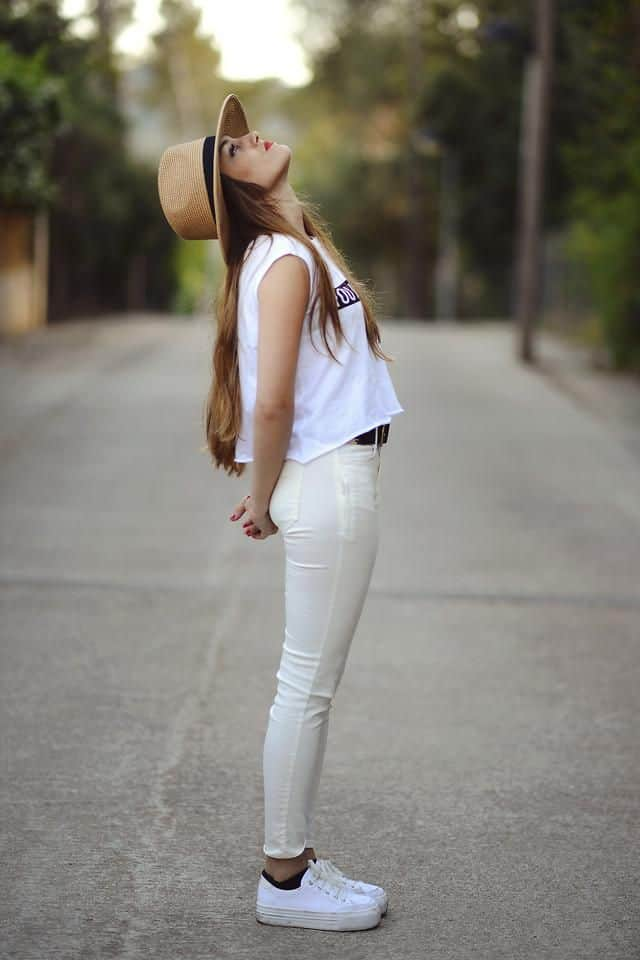 summer-look-white-sneakers