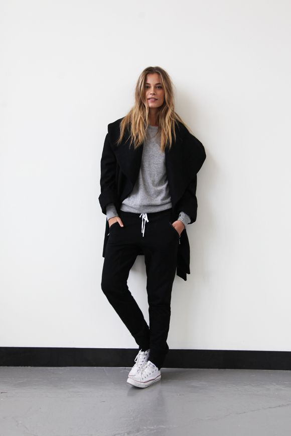 the-white-sneakers-spring-style