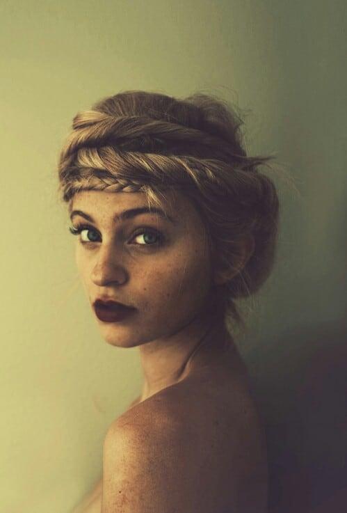 bold-dark-lips-makeup-trend (5)