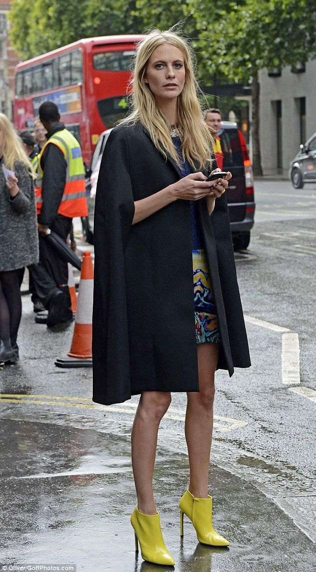 So Blankets Are The New Street Style Thing The Fashion