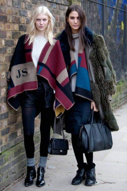 poncho-look-2015-Fall-trends-Burberry