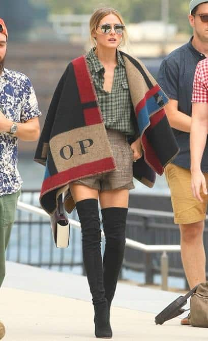 street-style-poncho-2015-fall-trend-Burberry (2)