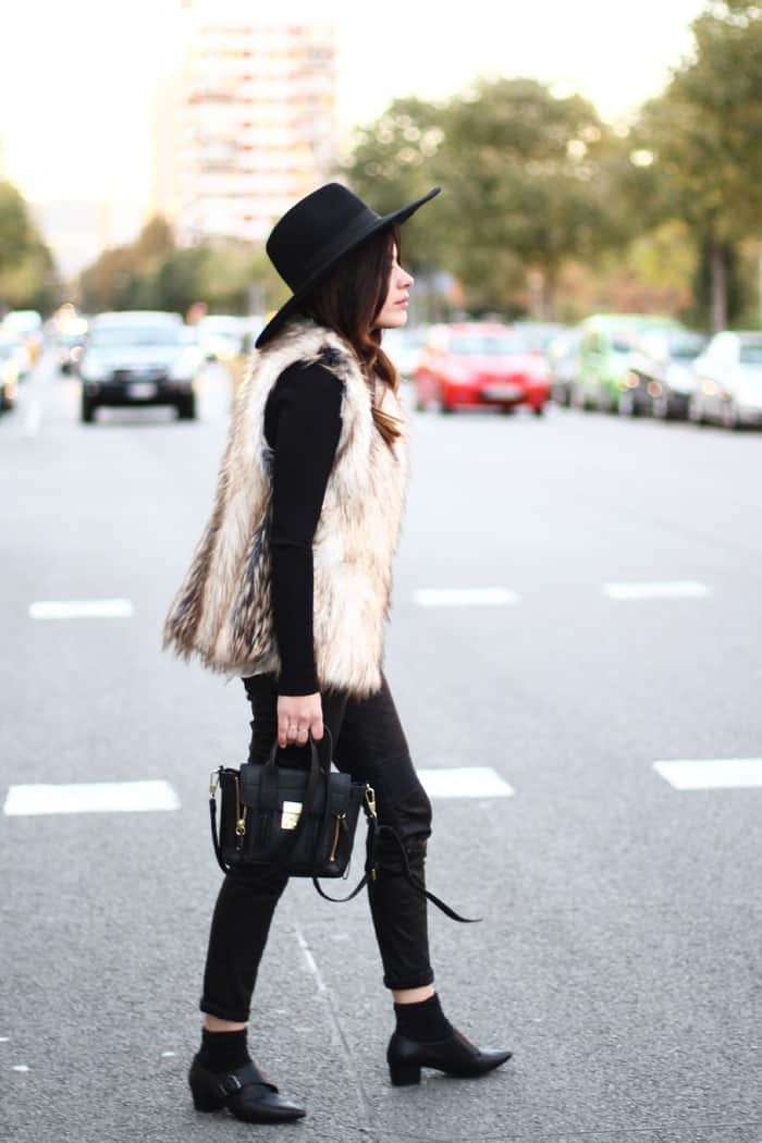 fur-vests-autumn-street-style (30)