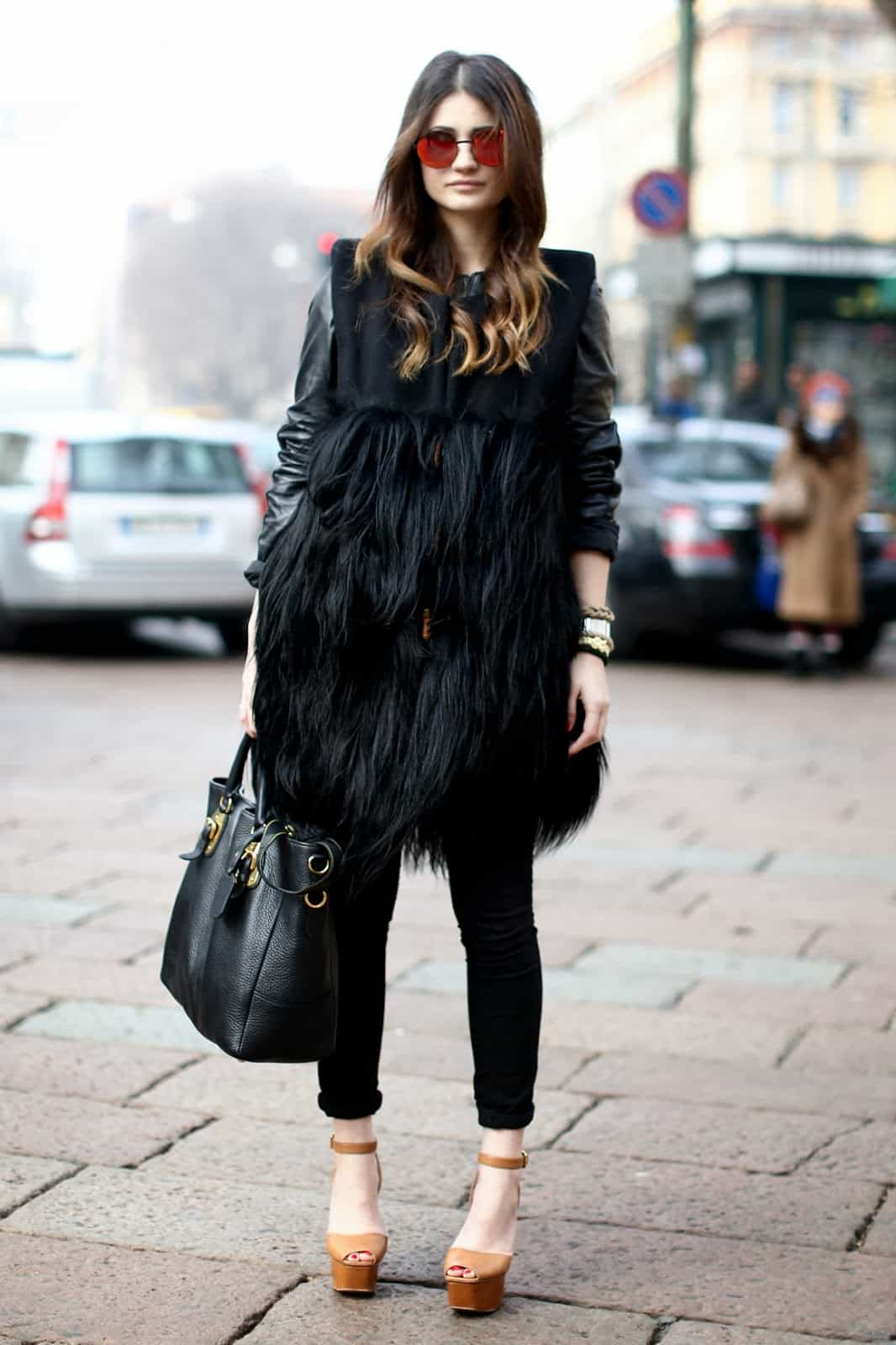 fur-vests-autumn-street-style (9)