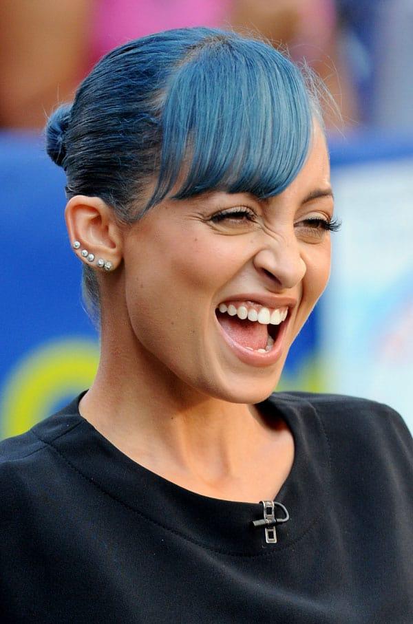 nicole-blue-hair2