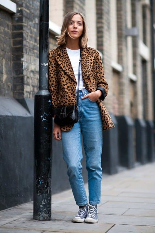 how to look trendy in jeans
