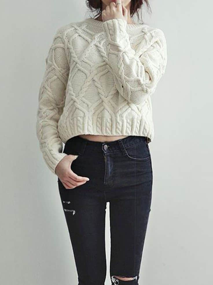 how-to-wear-cropped-sweaters-in-winter (2)