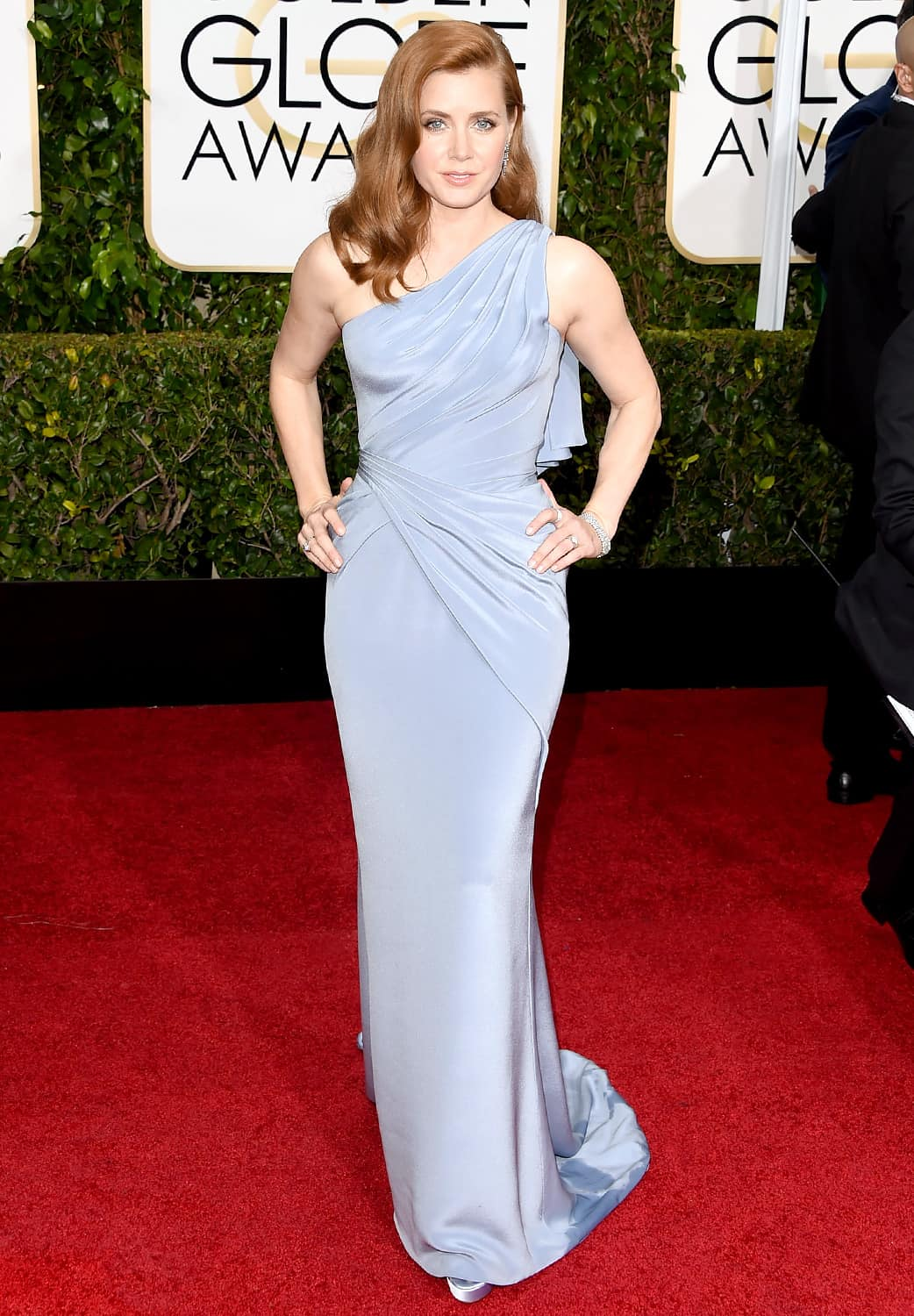 2015-golden-globes-red-carpet-amy-adams-zoom