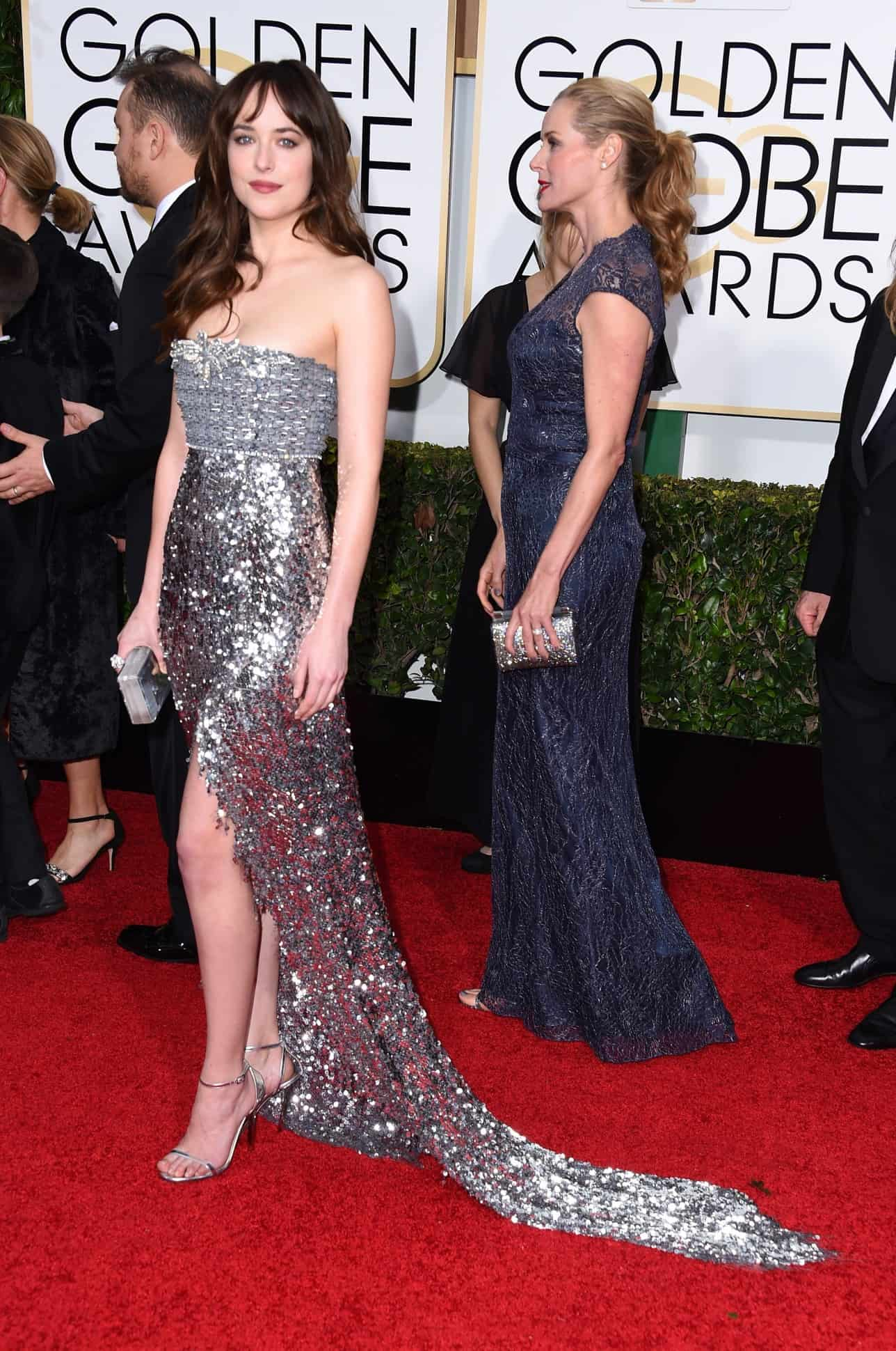 2015-golden-globes-red-carpet-dakota-johnsson