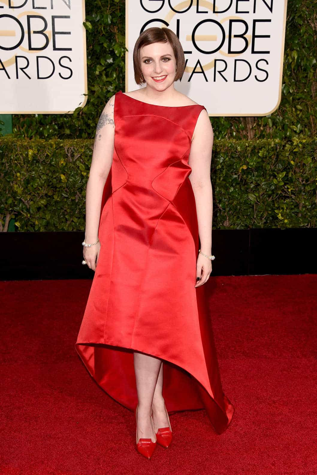 2015-golden-globes-red-carpet-lena-dunham