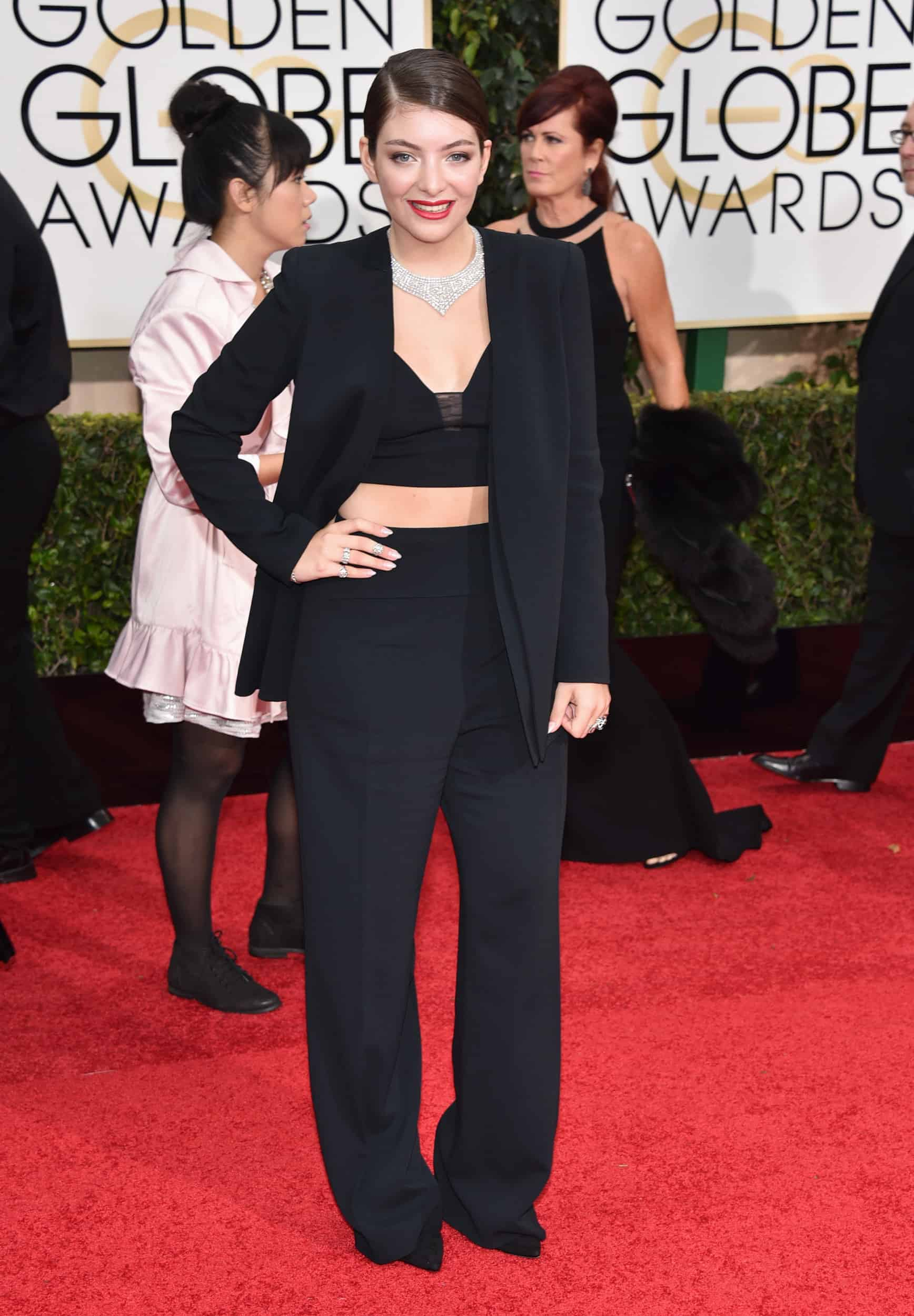 2015-golden-globes-red-carpet-lorde