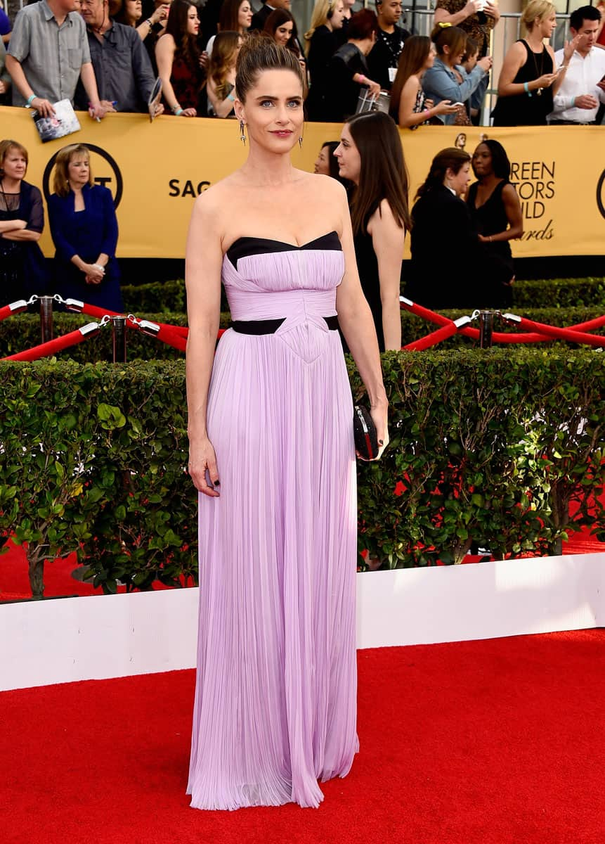 amanda-peet-sag-awards-red-carper-2015