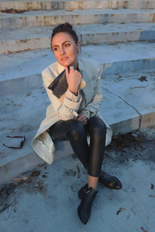 fashiontag-style-fur-clutch-bambieandbutler.jpg