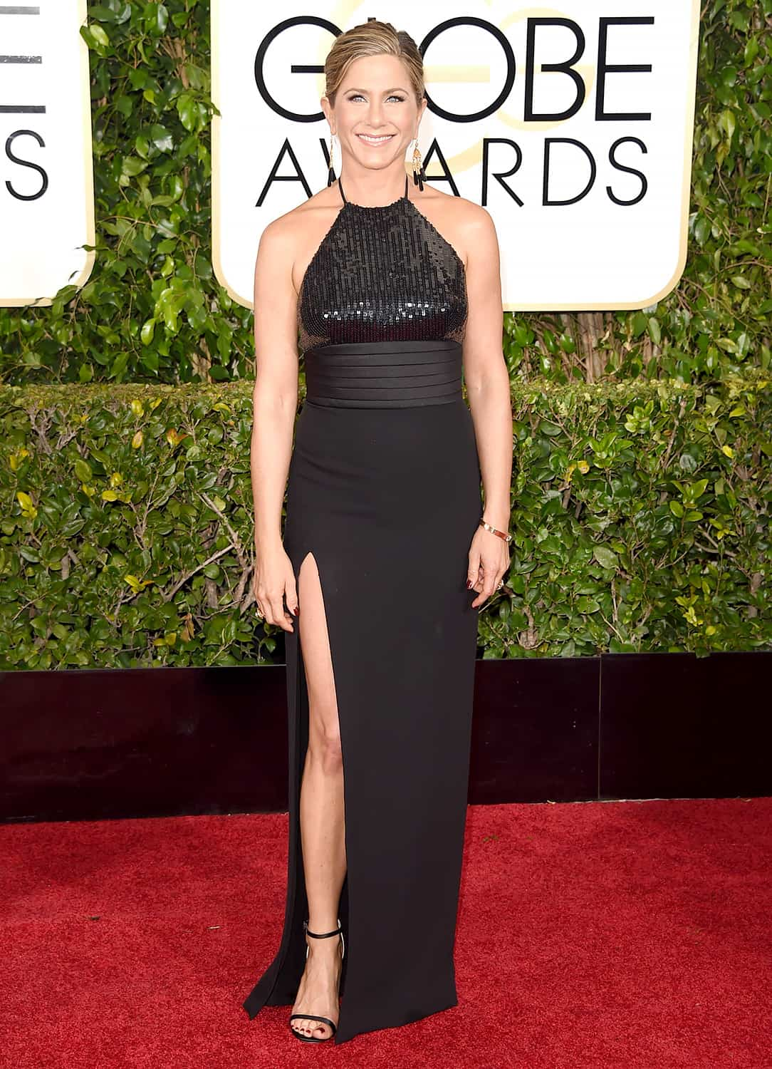 jennifer-aniston-2015-golden-globes-red-carpet