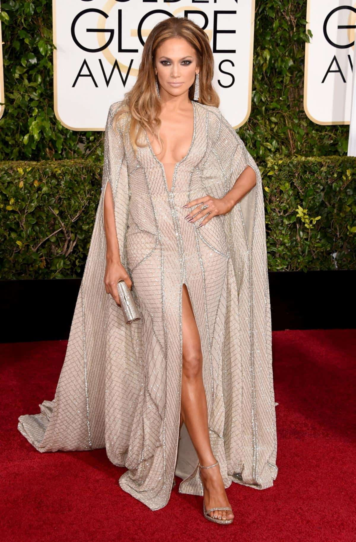 jennifer-lopez-2015-golden-globes-red-carpet