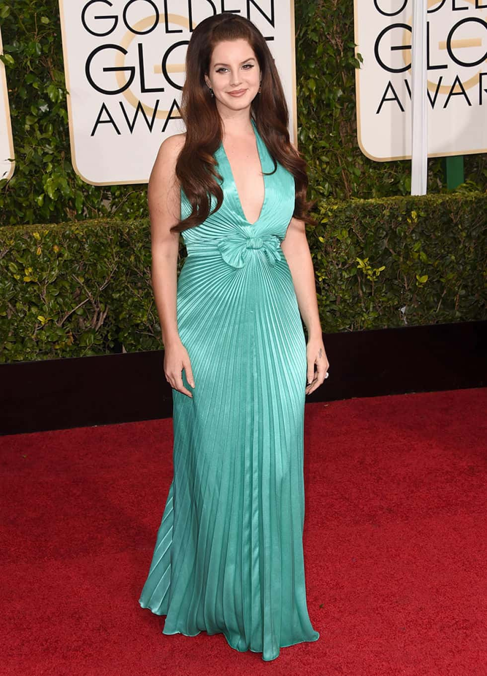 lana-del-ray-2015-golden-globes-red-carpet