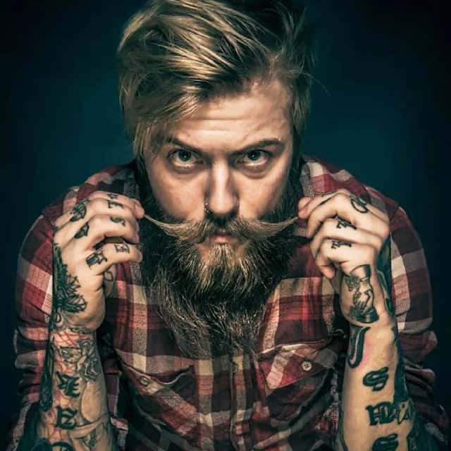 Lumbersexuals the men trend that doesn 39 t go away the for Bearded tattooed man