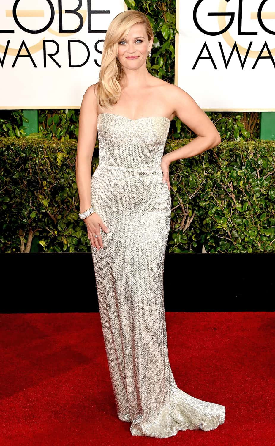 reese-witherspoon-2015-golden-globes-red-carpet