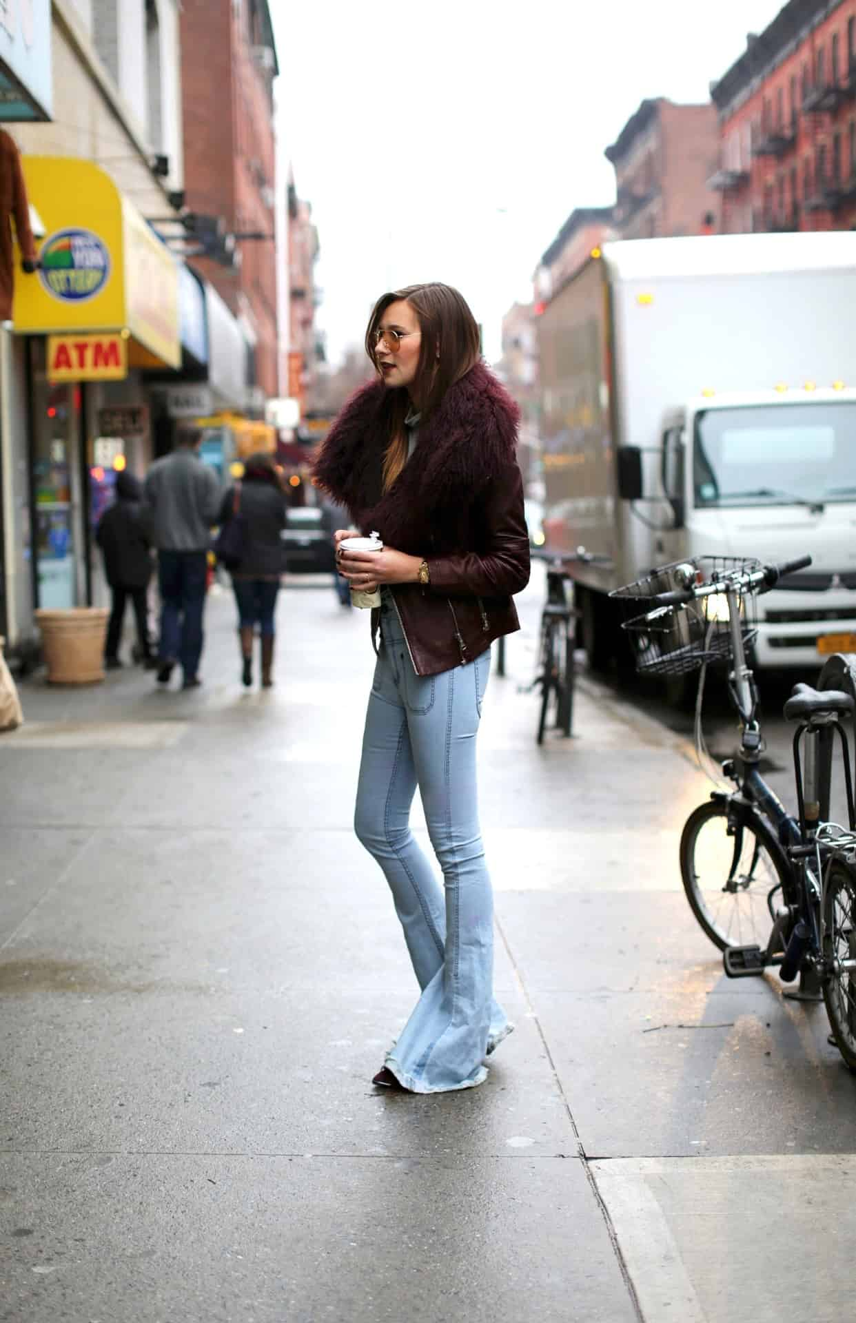 70s-falred-jeans-outfits-4