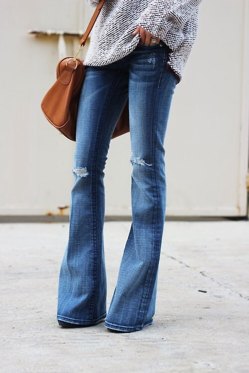 70s-falred-jeans-outfits-5