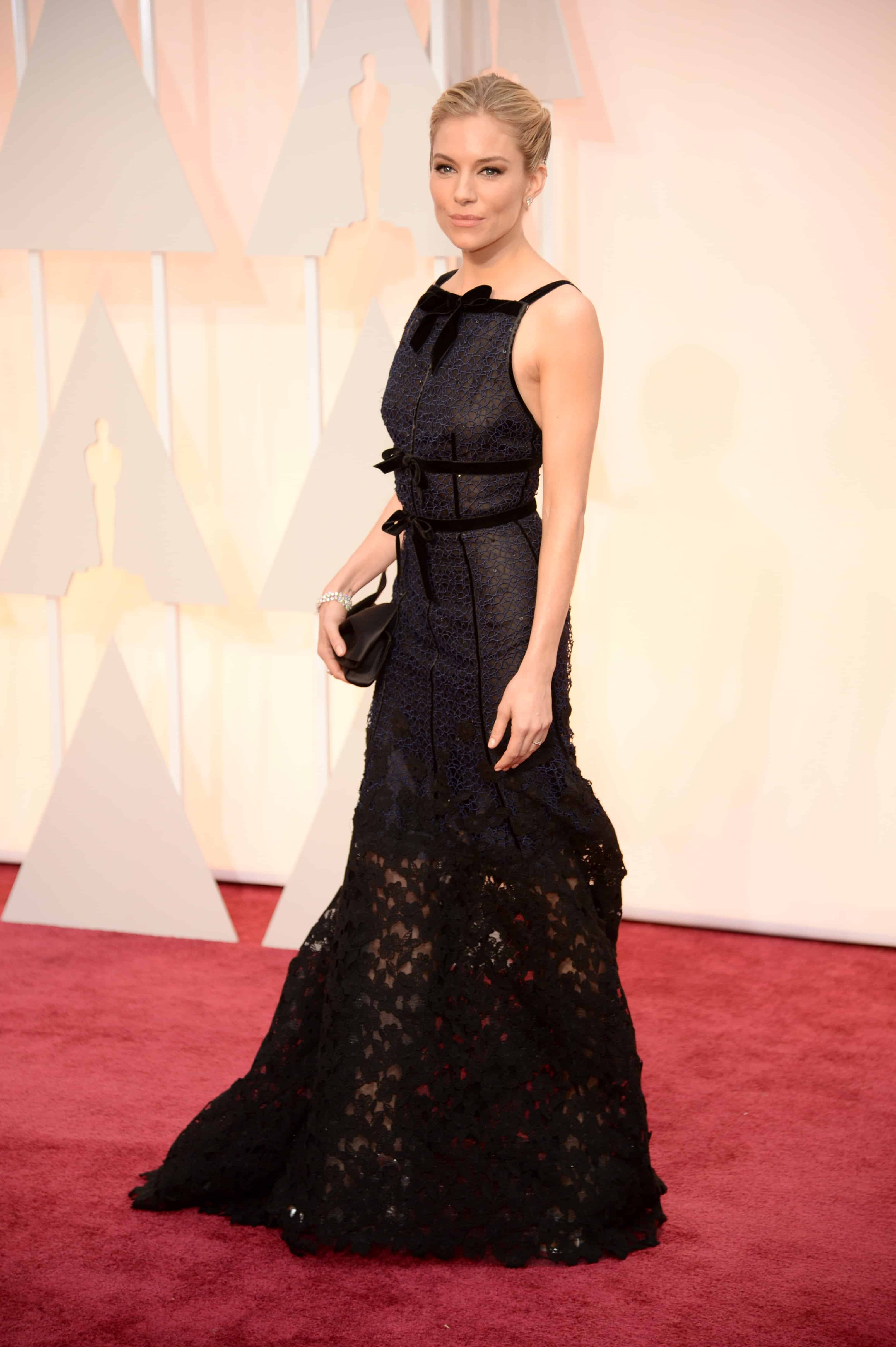 sienna-miller-oscars-2015-red-carpet