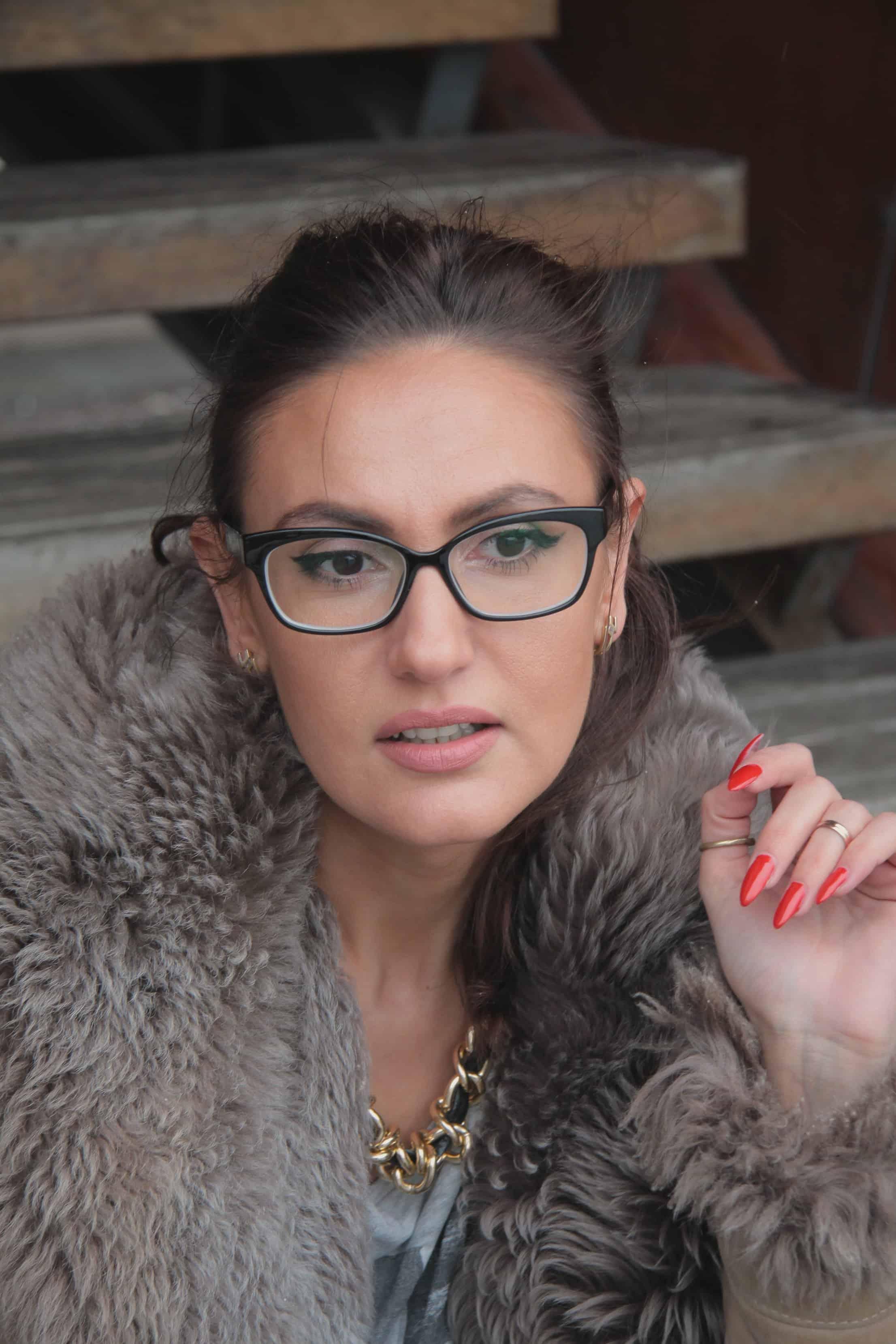 trendy-eyewear-look-glasses-shop-2