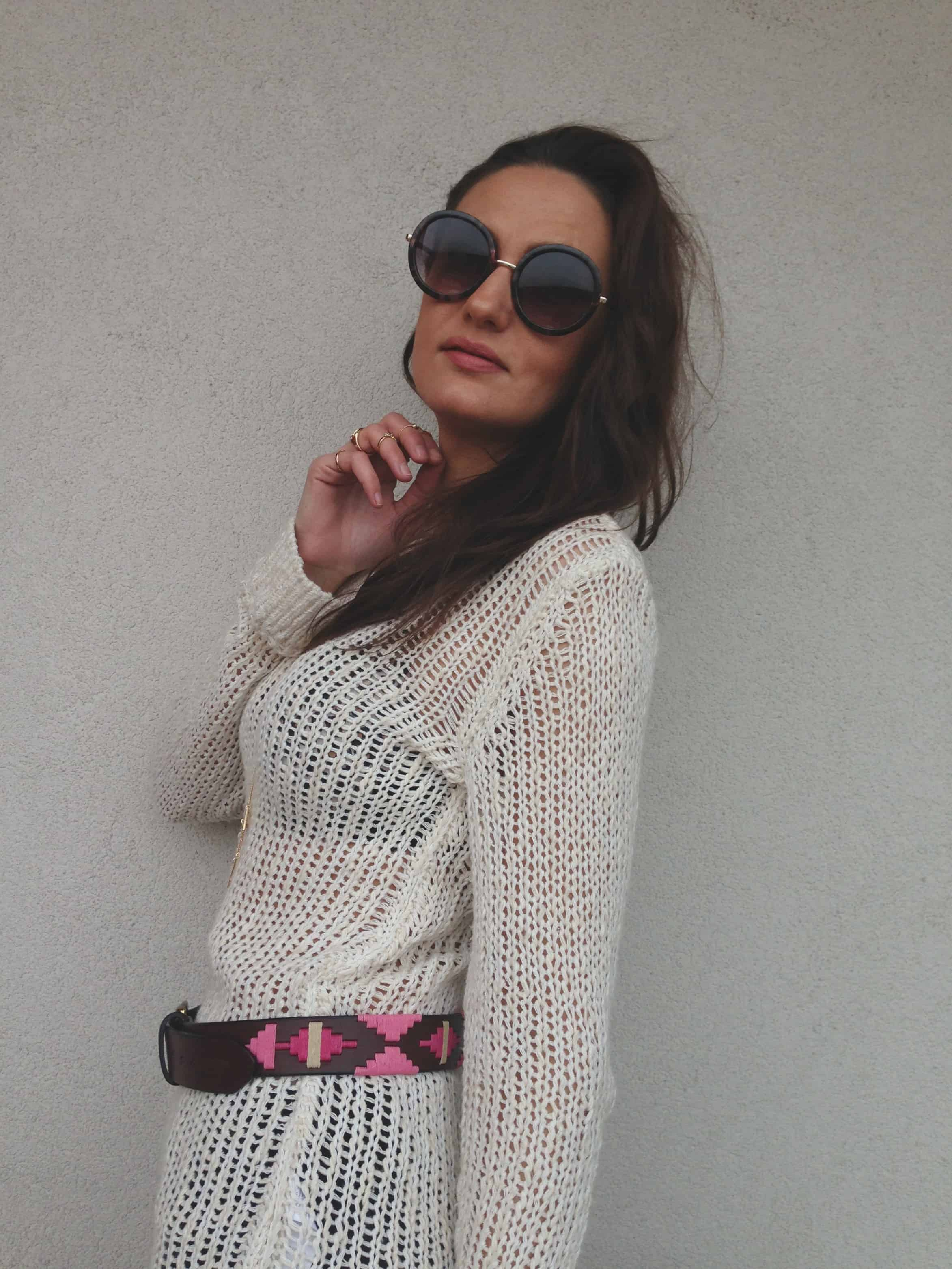 belt-over-sweater-style-fashiontag-1
