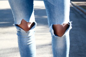 ripped-knee-jeans-street-style-123