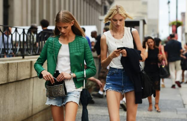 street-style-green-outftis-spring-looks-12