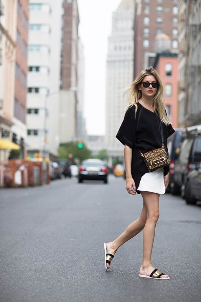 slide-sandals-outfits-15