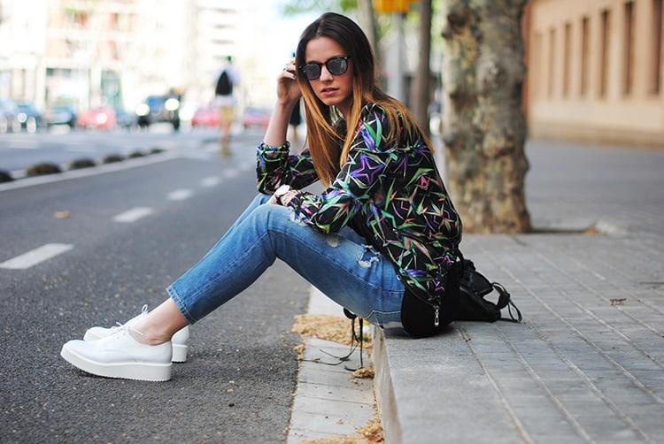 street-style-barcelona-sunny-day-casual-look-outfit-fashion-zina-fashionvibe