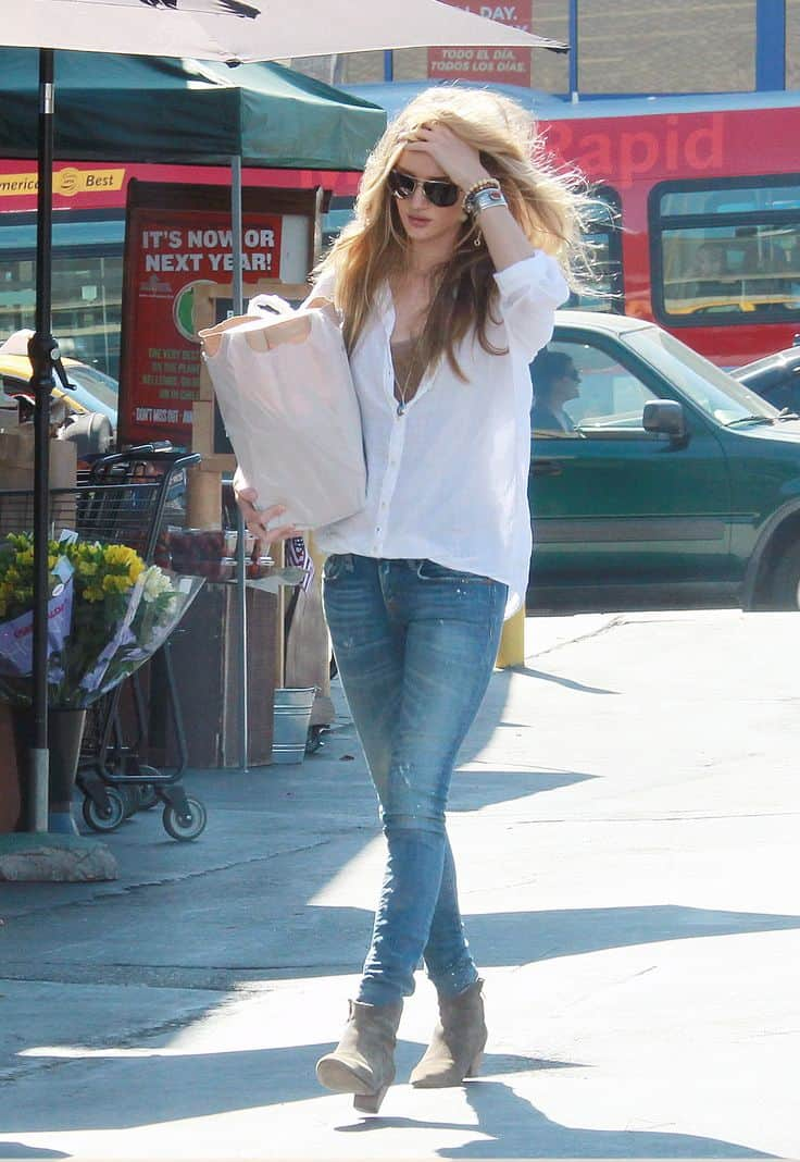 white-shirt-and-jeans-look-3